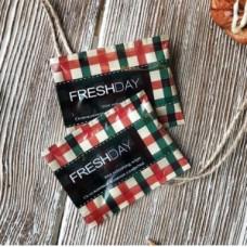 Салфетка одноразовая гигиеническая в индивидуальной упаковке Freshday КЛЕТКА